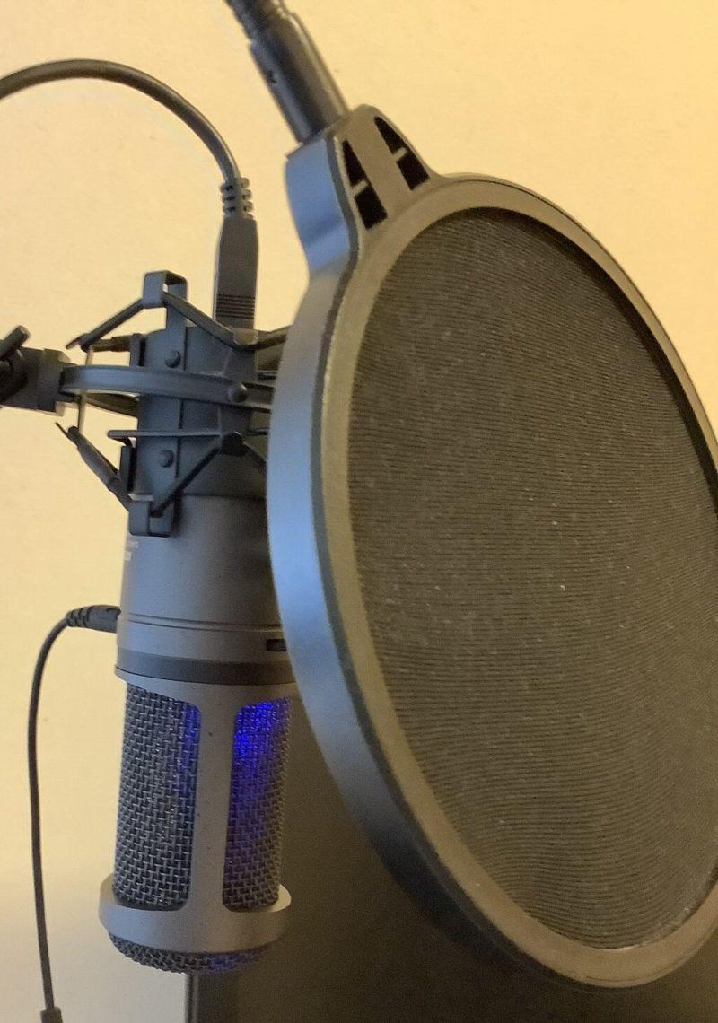 audio-technica AT2020USB+をRoycel コンデンサーマイク RC-S01付属のポップガードを取り付けた写真