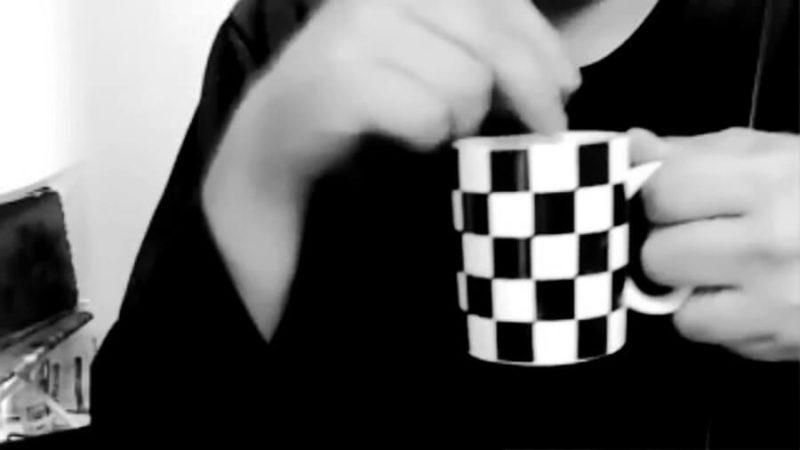 「たっちん」こと坂口 達也(さかぐち たつや)さん 収録中はなぜか顔出しNGで、収録音の「カチャカチャ」は飲み物をかき混ぜる音!