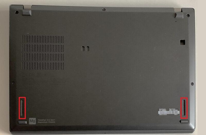 Thinkpad X13の裏面の外観